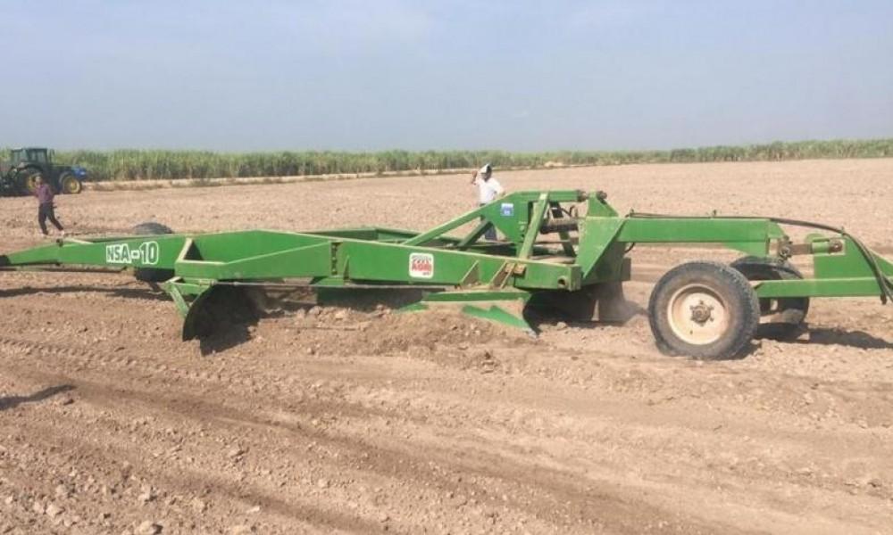 Benefícios da plaina niveladora na lavoura canavieira